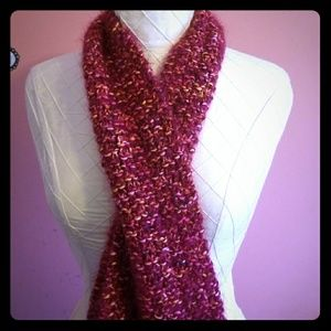 🆕️ Hand Knit Long Pink Fuzzy Scarf 🆕️